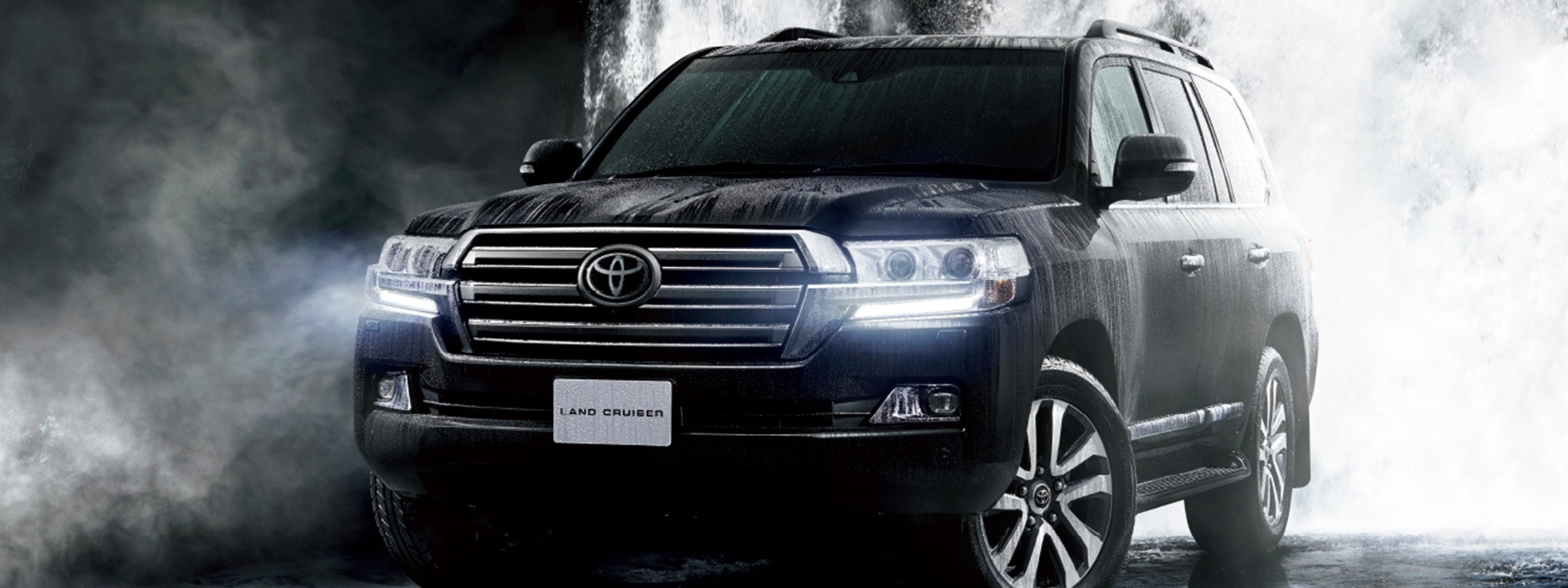 carlineup_landcruiser_gallery_4_03_pc_2